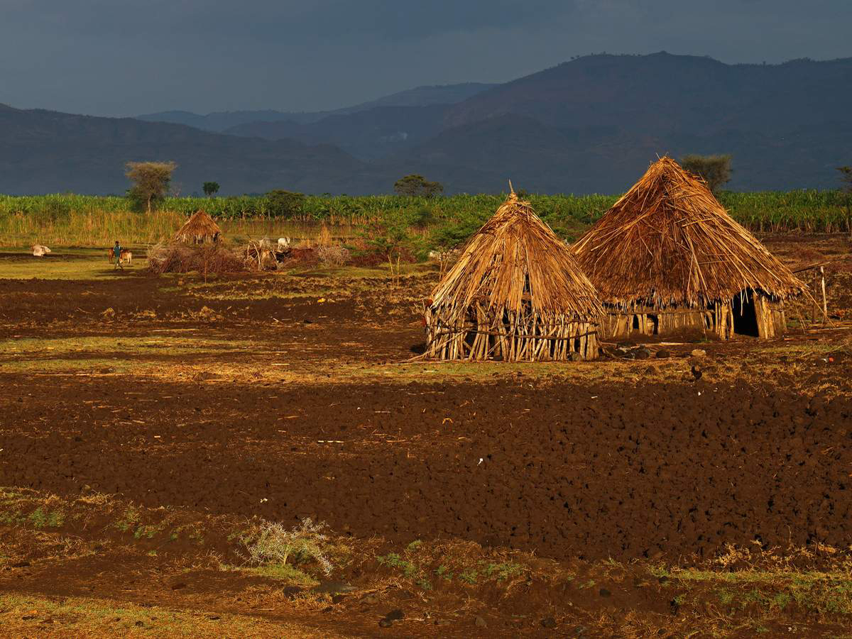 lower-omo-valley-tribes-ethiopia-DSC01490-2-photo-©-linetta-schneller-zenaye