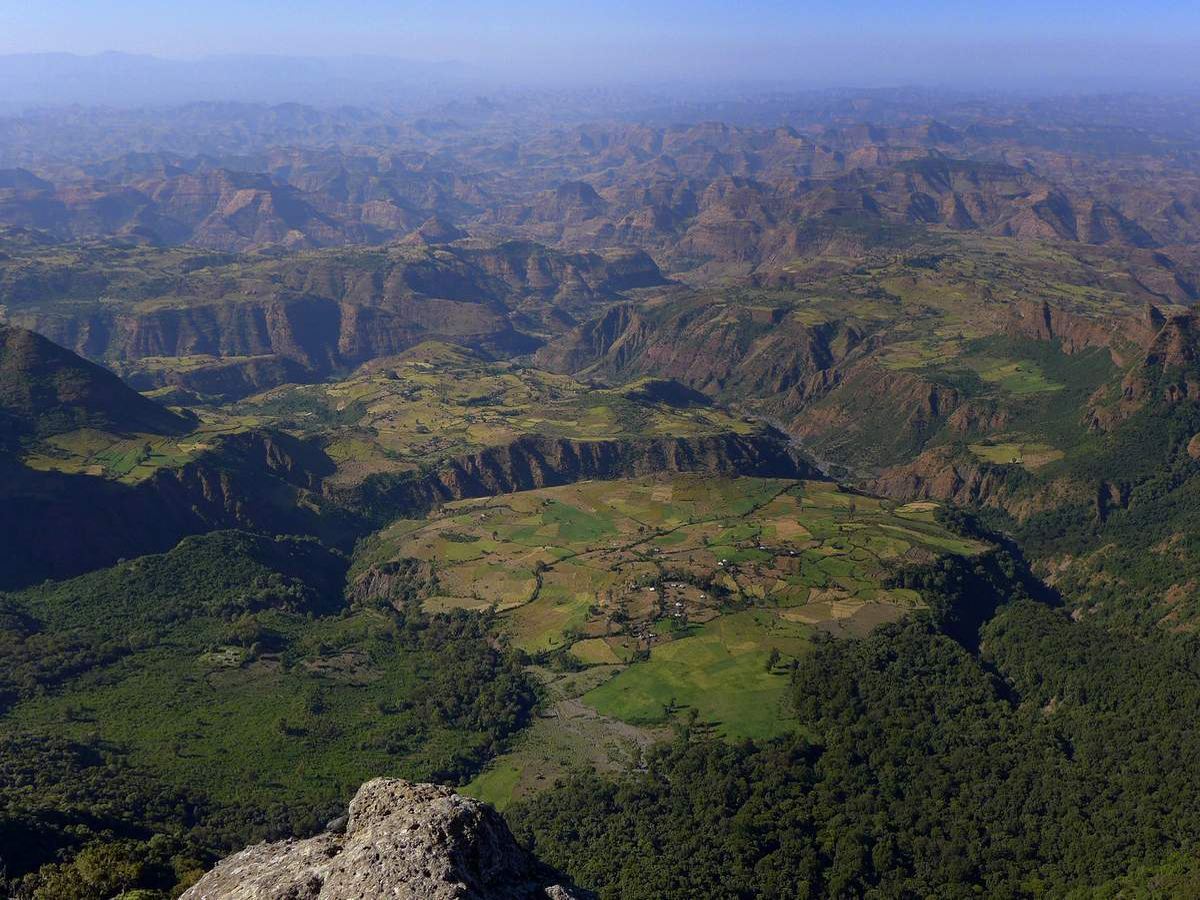 simien-mountains-trekking-ethiopia-1-P1030802-4-photo-©-linetta-schneller-zenaye